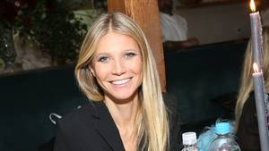 Gwyneth Paltrows Goop har også sin egen gavebutik, som hun her reklamerer for i Los Angeles. Foto: All Over