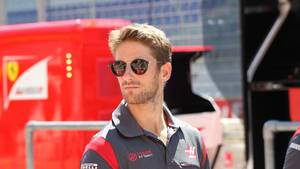 Grosjean tog en snak med Toto Wolf efter Mercedes-bossens kommentarer. Foto: imago/Crash Media Group/ All Over Press