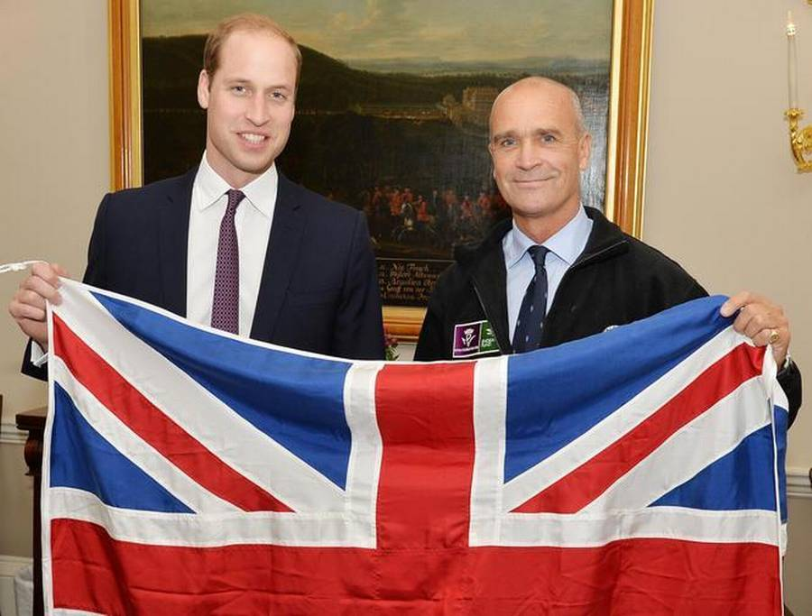 Prins William sammen med Henry Worsley. (Foto: AP).