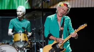 Charlie Watts ses her med Keith Richards i 2016. Foto: AP