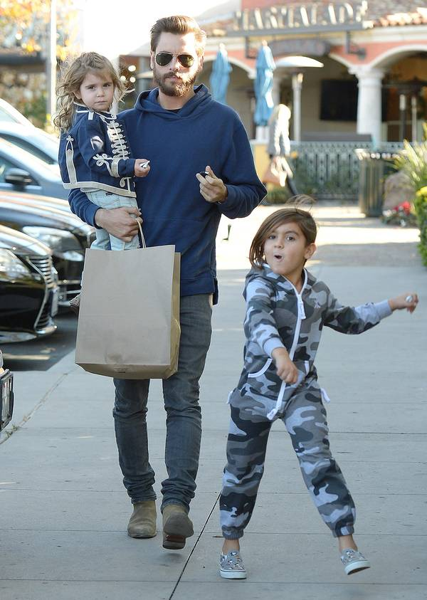 Lord Disick med Penelope og Mason. (Foto: All Over Press)