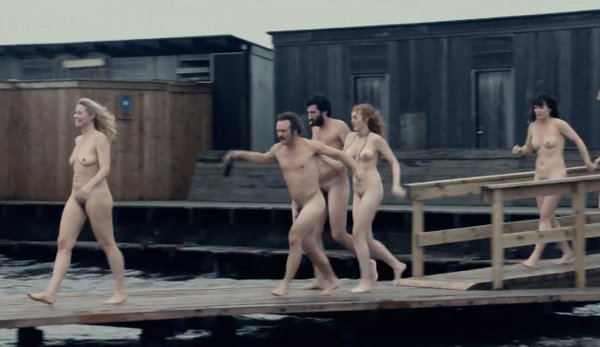 Naked and free run collectivists from the jetty in a scene from Thomas Vinterberg's new film 'Collective'.  In the picture you can among others see Trine Dyrholm, Lars Ranthe and Julie Agnete Vang. (Photo: Frame Grab / Zentropa)