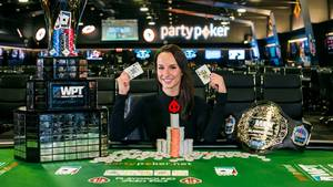 Ema Zajmovic iført vindersmilet. Foto: World Poker Tour