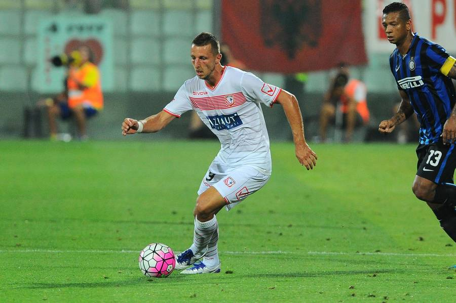 Kamil Wilczek i aktion for italienske Carpi (Foto: Massimo Morelli, Splash, Photos, All Over Press)