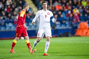 Robert Lewandowski scorede for ottende gang i VM-kvalifikationen, da Polen slog Montenegro 2-1. Foto: All Over