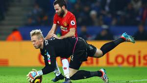 Premier League-sæsonen er ved at ende i mareridt for Kasper Schmeichel. Rykker Leicester ned så står Everton klar. Foto: Kieran McManus/All Over Press