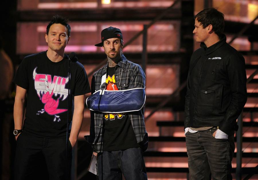 Mark Hoppus, Travis Barker, og Tom DeLonge fra Blink 182 til Gramm Awards i 2009. (Foto: AP/Mark J. Terrill).