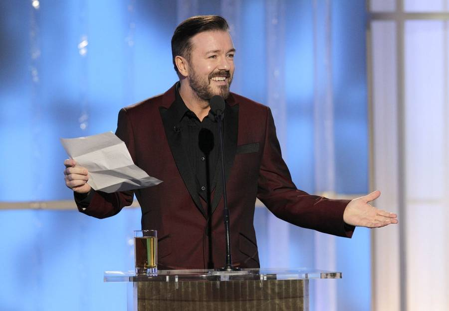 Ricky Gervais i aktion under sidste års Golden Globe. (Foto: AP/Paul Drinkwater).