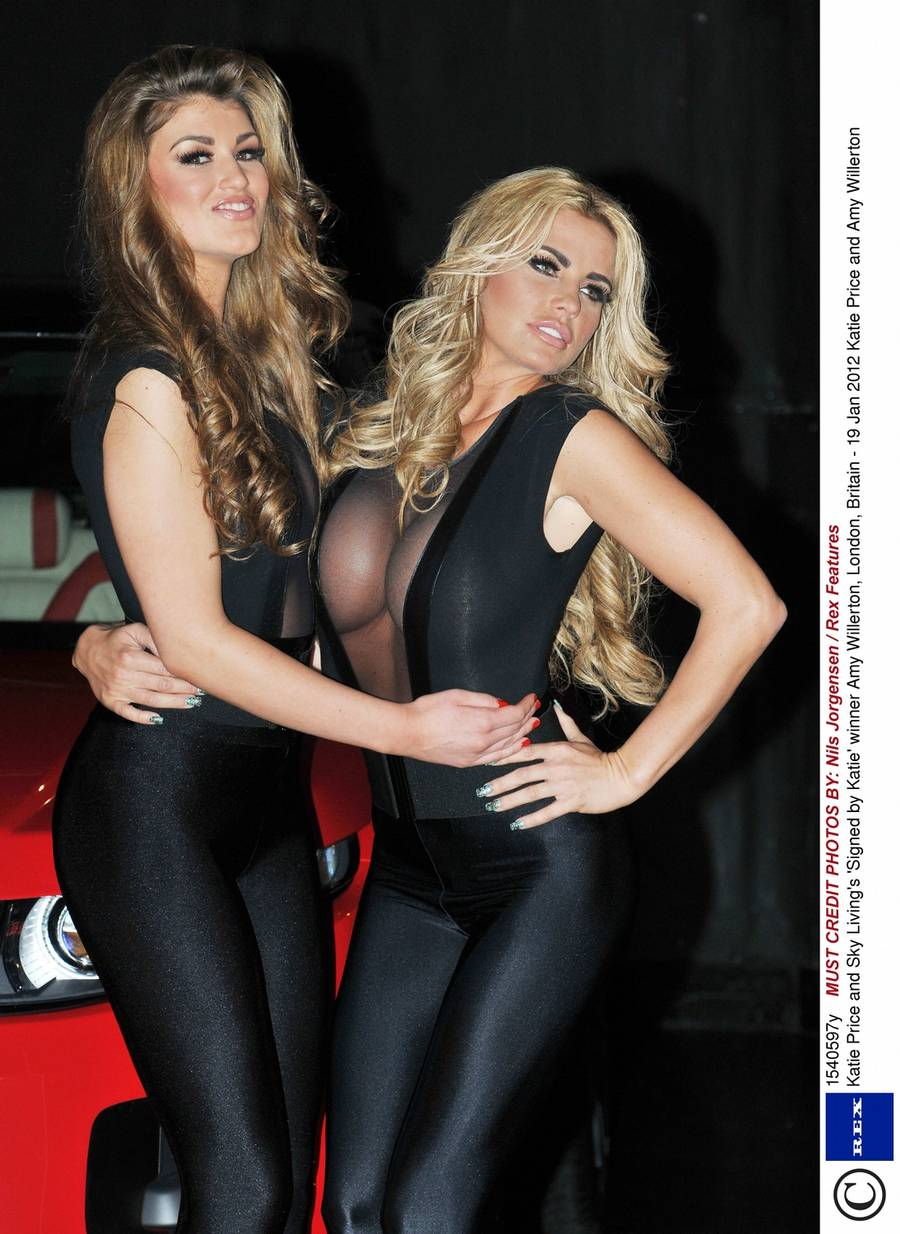 Katir Price (th) med sin nye protege, Amy Willerton. (Foto: All Over)