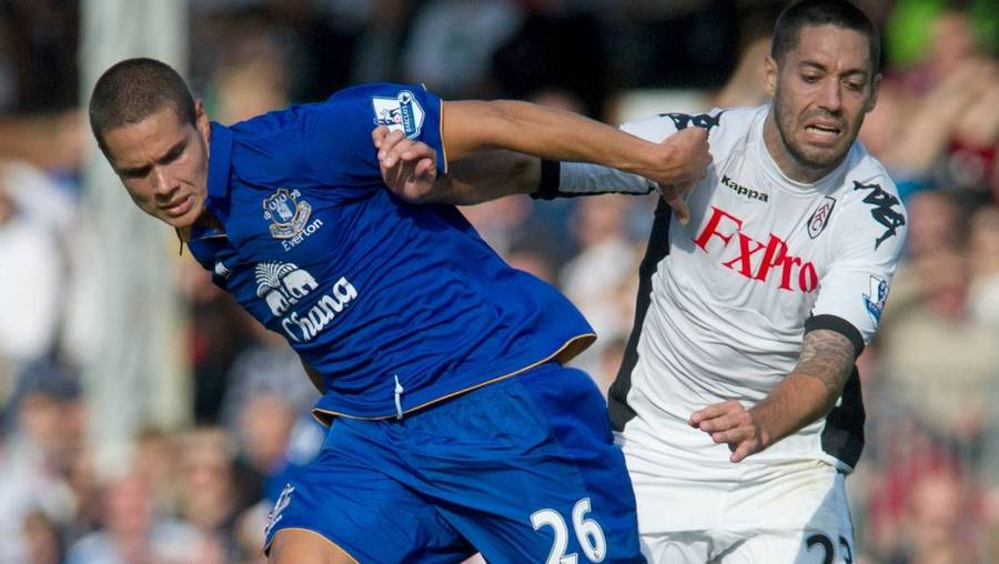 Jack Rodwell (tv.) nåede at spille 85 kampe for Everton. (Foto: AP/Bogdan maran)