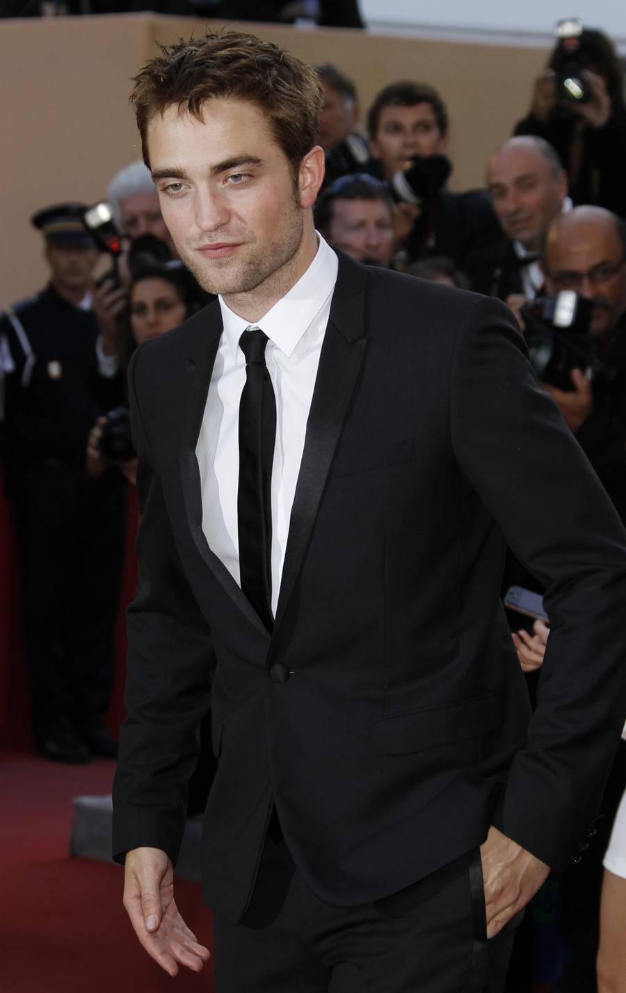 Robert Pattinson skal spille den berømte britiskek helt  Lawrence of Arabia i den kommende film 'Queen of the Desert'.(Foto: AP)