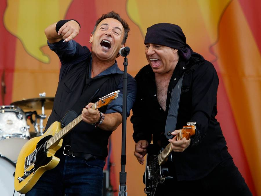 Bruce Springsteen og Little Steven i New Orleans i april. (Foto: AP/David Grunfeld)