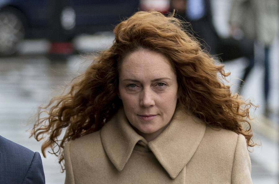 Rebekah Brooks var chefredaktør på News of the World, da Milly Dowlers telefon blev hacket. Hun var også i Old Bailey i dag. (Foto: AP)