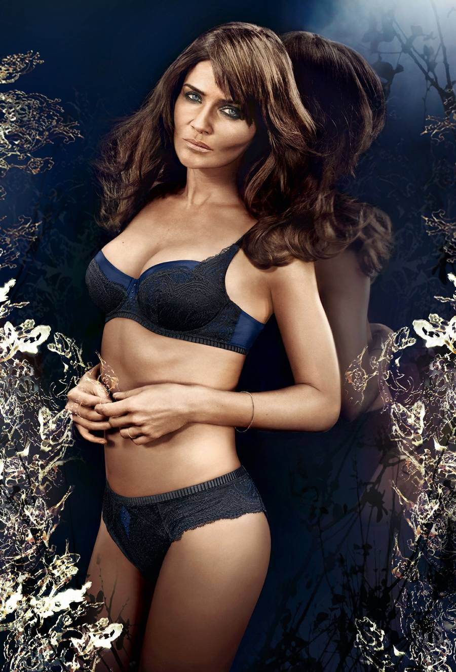 Helena Christensen i topform. (Target Press)