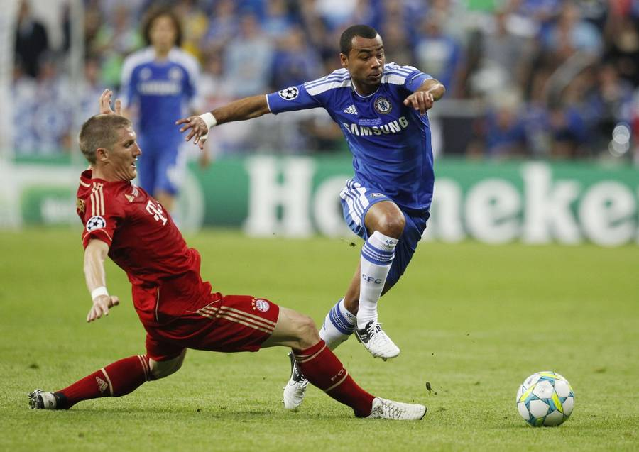 Ashley Cole ligner en kommende PSG-spiller. (Foto: AP)