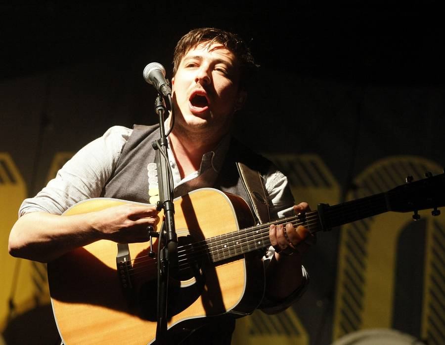 Marcus Mumford under en optræden i Californien i august. (Foto: AP/David Royal)