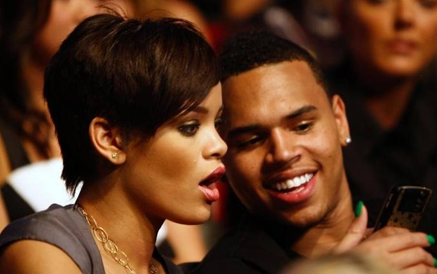 Rihanna og Chris Brown ved en MTV-prisuddeling i 2008. (AP Photo)