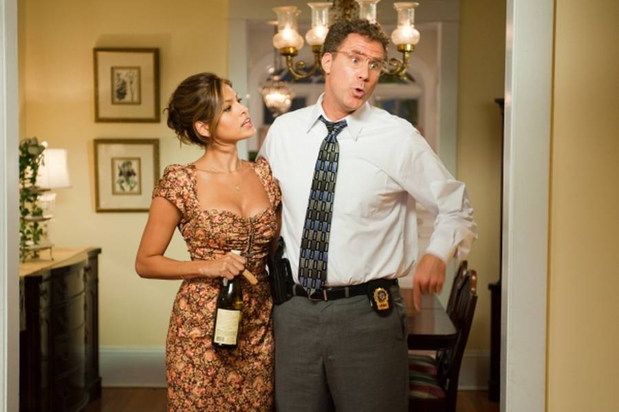 Will Ferrell ses her i en scene fra filmen 'The Other Guys' sammen med skønheden Eva Mendes.(Foto: Sony Pictures)