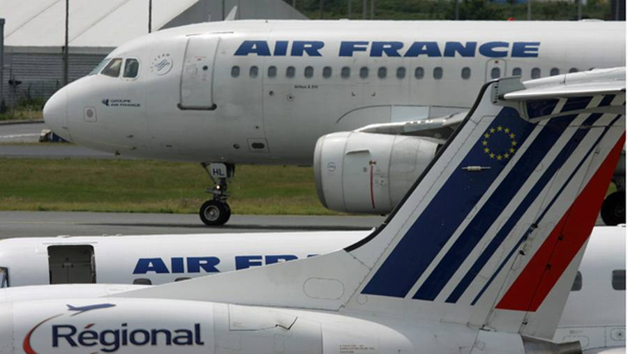 Passagerer på et Air France fly blev bedt om at hoste op med kontanter. (Polfoto)