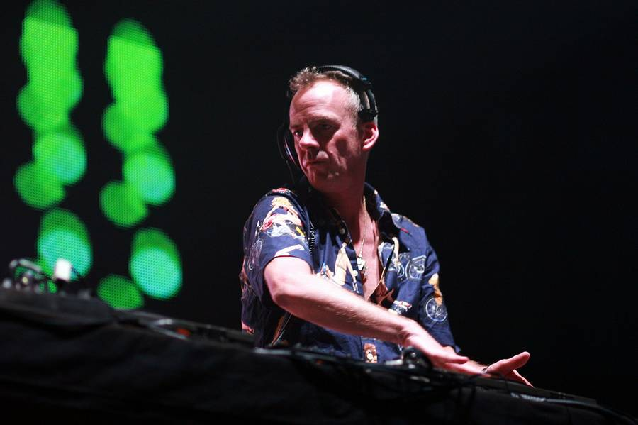 Den engelske DJ og producer, Fatboy Slim alias Norman Cook, har flere gange stillet sig på skuldrene af andre mennesker. Blandt andet på hans hitspækkende 'You've Come A Long Way, Baby'-album fra 1998 med numre som 'Praise You', 'The Rockafeller Skank' og 'Right Here, Right Now'. Foto: alterna2 | Flickr