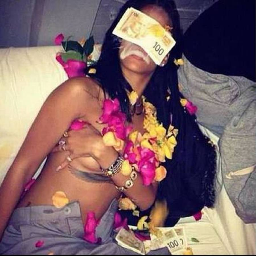 Rihanna har dog ofte vist, at hun ikke er bange for selv at vise hud. (Privatfoto)