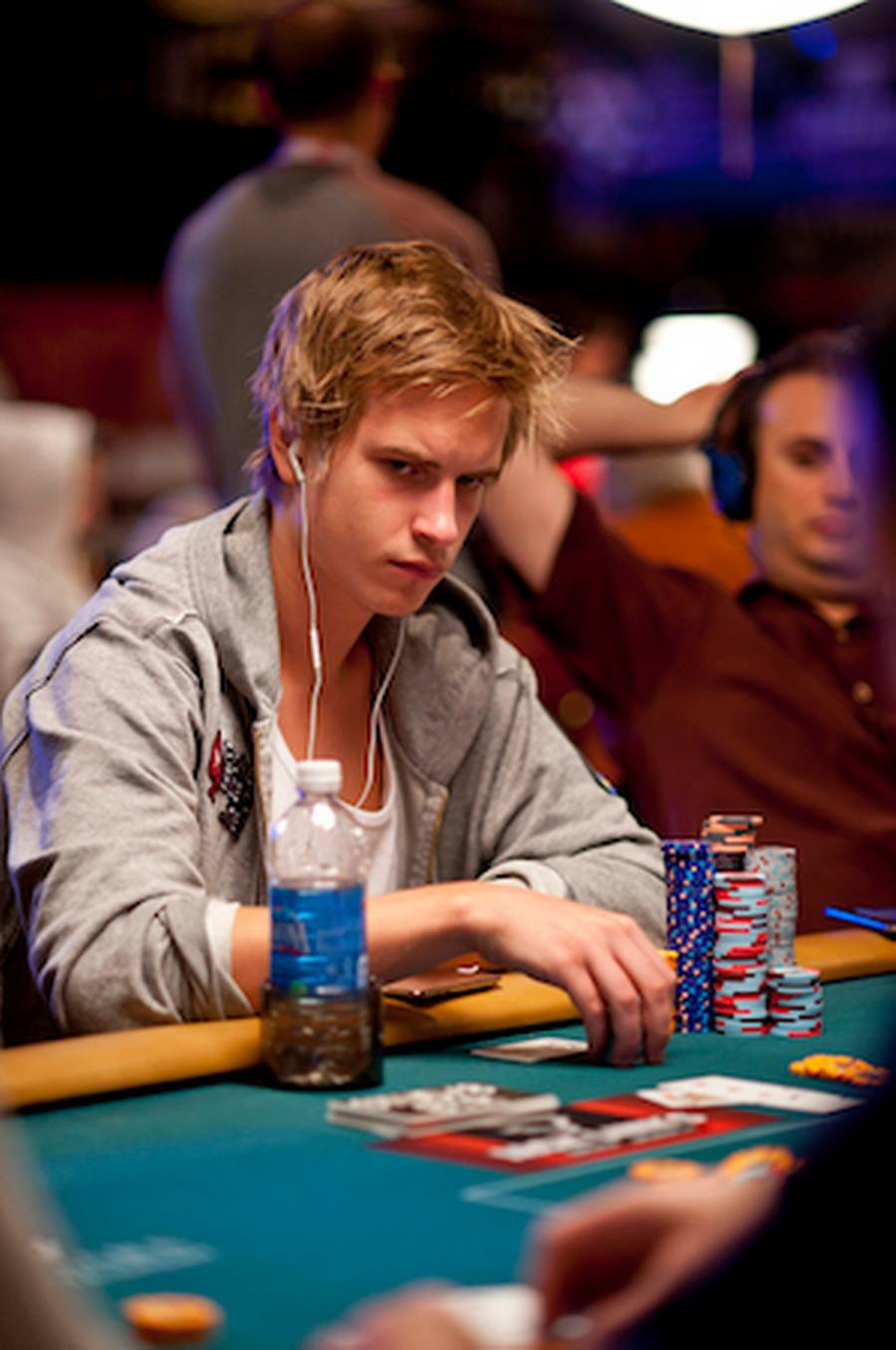 22-årige Viktor Blom spiller for første gang med til World Series of Poker. (Foto: Joe Giron/PokerStarsblog)