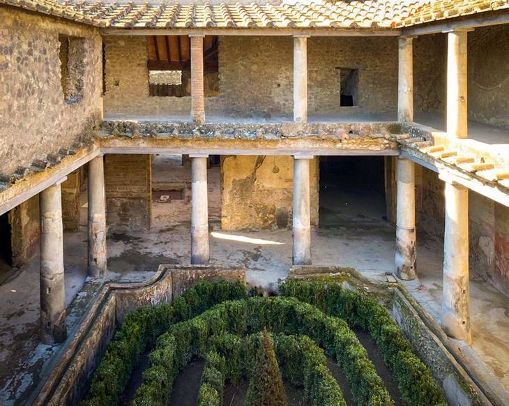 Elskernes Hus er bygget op om en gårdhave. Foto: Archaeological site of Pompeii / AFP Photo