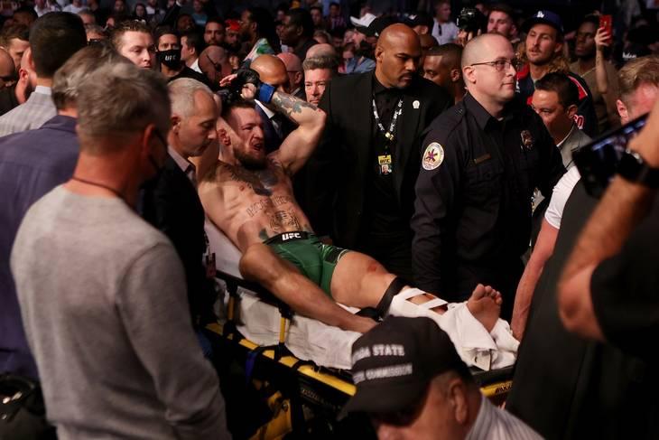 McGregor på vej ud - men han kan se frem til et nyt opgør. Foto: Stacy Revere