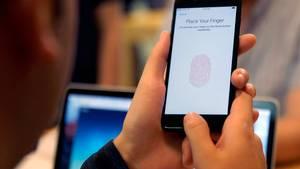 En god grund til at opdatere din iPhone i dag: sikkerheden bliver bedre. Foto: Kiichiro Sato/AP