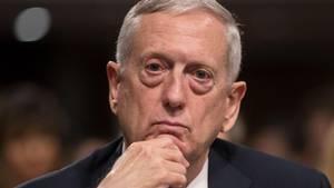 Forsvarsminister James Mattis har forsikret Natos generalsekretær om, at den nordatlantiske forsvarsalliance stadig er vigtig for USA. (Foto: AP)