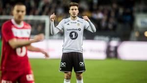 Nicklas Bendtner ligger dårligt til på statistik-listerne i Eliteserien, og ekspert mener, at holdkammerat har, hvad danskeren mangler. Foto: Stine Tidsvilde