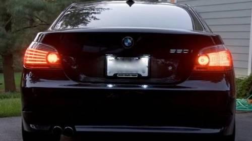 Politiet leder efter en BMW af denne type (Foto: Politiet)