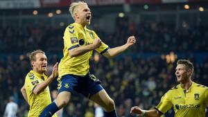 Superligaen bløder tilskuere og seere. Det vil TV-bosserne have ændret NU! Foto: Lars Poulsen