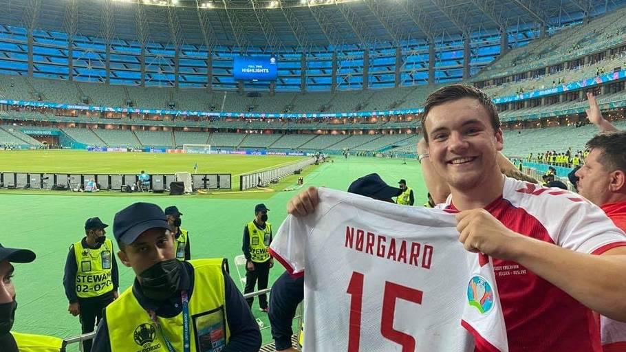 Mikkel scorede Nørgaards trøje efter en vanvittig tur. Foto: Troels Mikkelsen