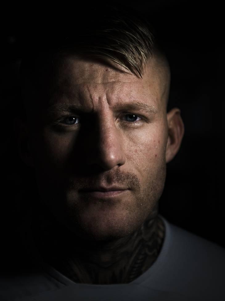 Det er ikke længe siden, at Patrick Nielsen på Instagram delte en såkaldt story, hvor han viste en ny tatovering. Han har fået tatoveret Satudarahs logo på venstre side af sit baghoved. Foto: Jonas Olufson