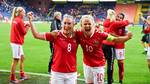 Danmarks Theresa Nielsen og Pernille Harder. Foto: All Over Press