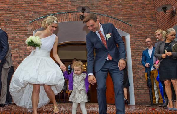Heidi Frederikke ved sit eget bryllup med sin mand Anders Sigdal (Foto: All Over)