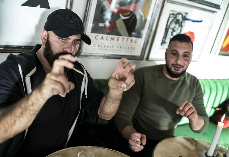 Den danske ambassade var ikke til meget hjælp, føler Behdad og Tharek. Foto: Ole Steen