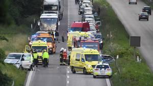 Et uheld spærrer søndag aften Helsingør-motorvejen totalt i retning mod Helsingør. Foto: Kenneth Meyer