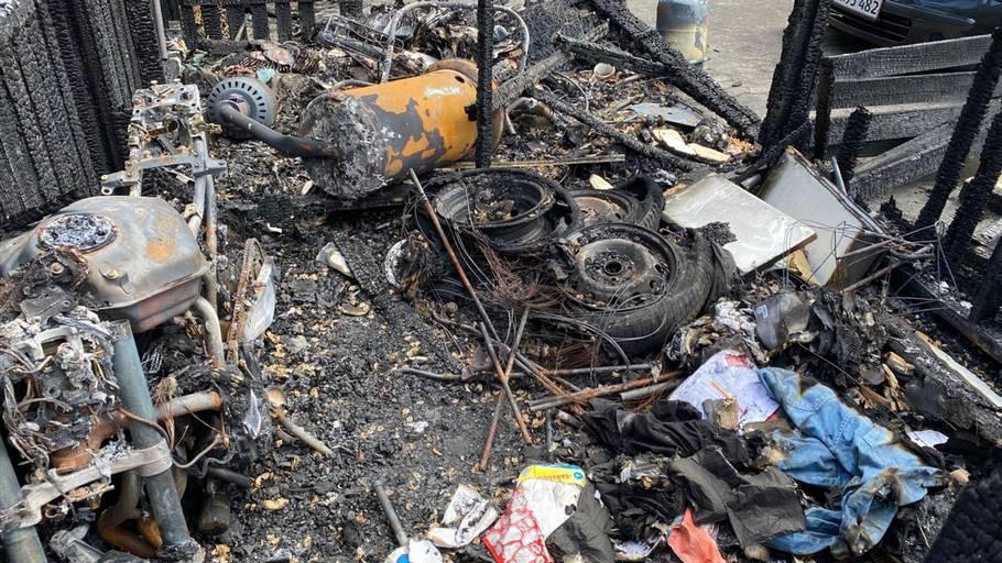 Det kan gå grueligt galt, hvis man ikke er opmærksom med ukrudtsbrænderen. Foto: Codan Forsikring