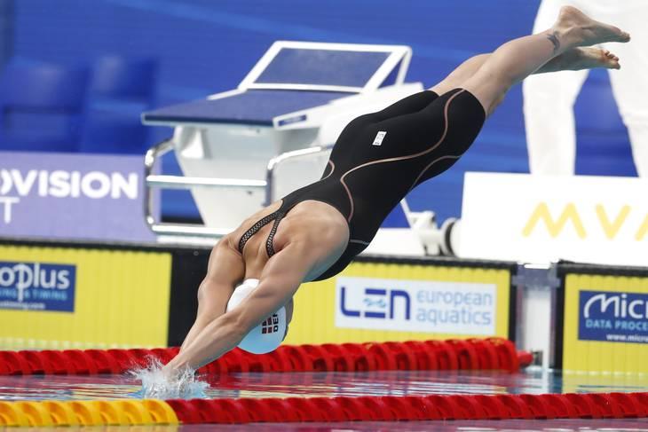 Pernille Blume har vist, at formen er, hvor den skal være forud for legene i Tokyo. I maj svømmede hun 24,06 på favoritdistancen 50 meter fri. Foto: Peter David Josek/Ritzau Scanpix