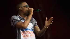Rapperen Nas spiller torsdag aften på festivalens største scene. Foto: All Over