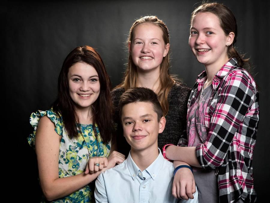 Christian fra 'Årgang 0' er ved at løsrive sig fra sin familie. (Foto: Thomas Marott/TV2)