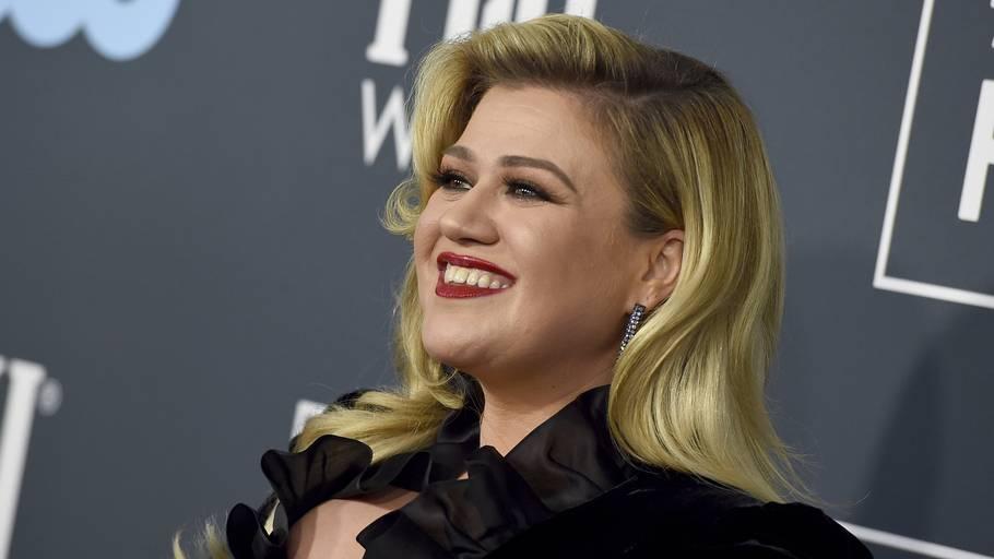 Kelly Clarkson vil gerne være officielt single. Foto: Jordan Strauss/Ritzau Scanpix