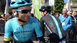 Astana mindes afdøde Michele Scarponi med tom plads under det italienske etapeløb. Foto: AP