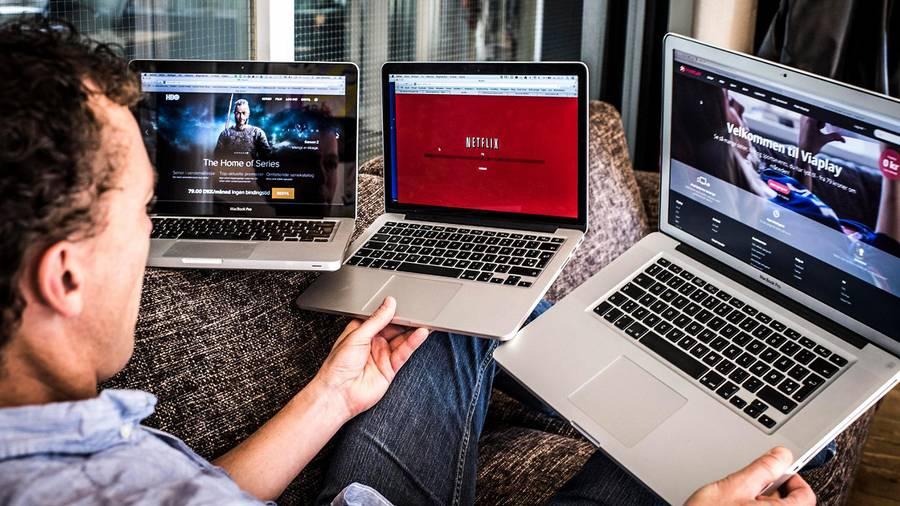 Streaming er blevet en væsentlig del af danskernes tv-forbrug. Konsekvensen har været færre og mindre kabel-tv-pakker. Og færre minutters tv-sening på traditionelt fjernsyn. Foto: Jonas Olufson