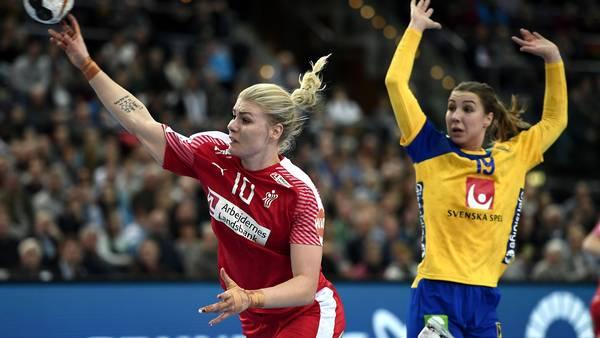 b61dc4fac40 Danmark tabte trods en god start til et godt, stærkt og bredt svensk  landshold, der udnyttede de rød-hvides svage perioder effektivt