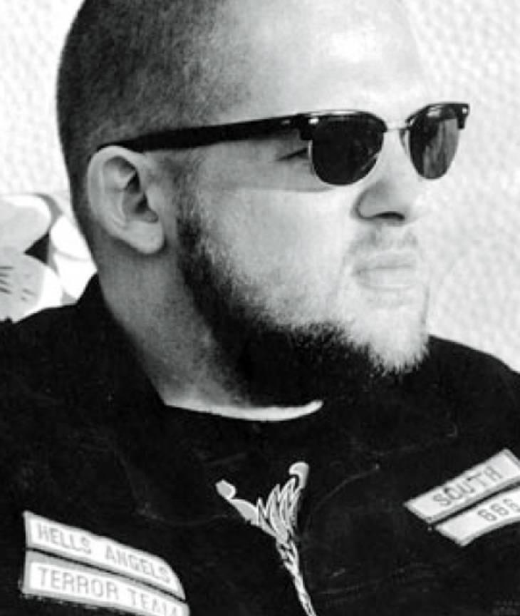 'Clark' røg ud af Hells Angels i bad standing, fordi han var modstander af freden med Bandidos. Senere blev han selv medlem af Bandidos.