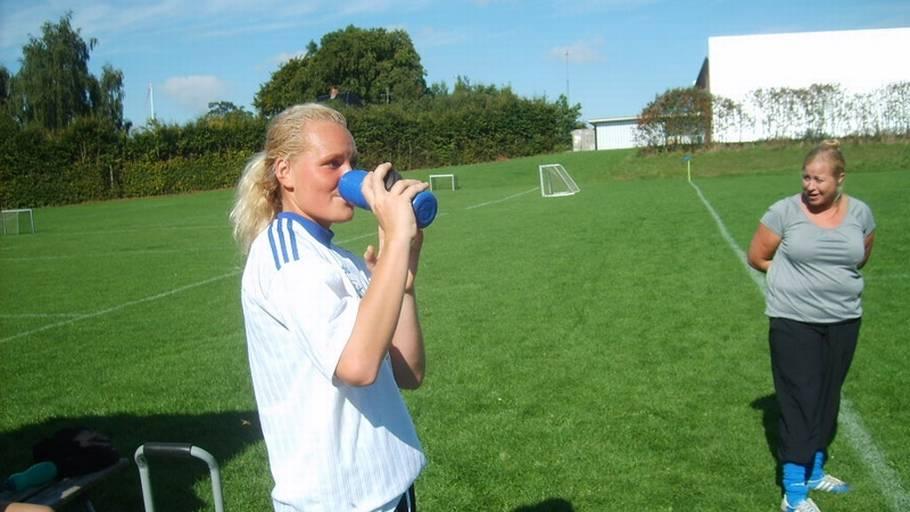 69b55acbf8b Østre skoles talentfulde Ester Willems blev taget ud, da sejren var i hus. (