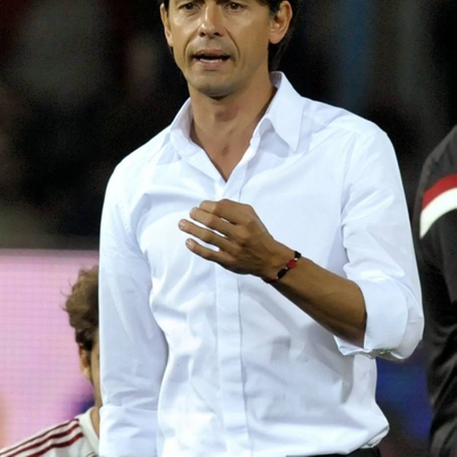 Filippo Inzaghi har store problemer i AC Milan. (Foto: AP)